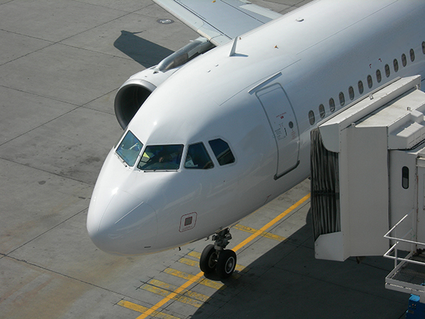 family travel advice flying with kids realfamilytrips.com