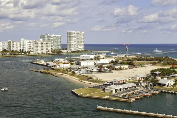 http://www.dreamstime.com/stock-image-port-everglades-inlet-fort-lauderdale-florida-image23515151