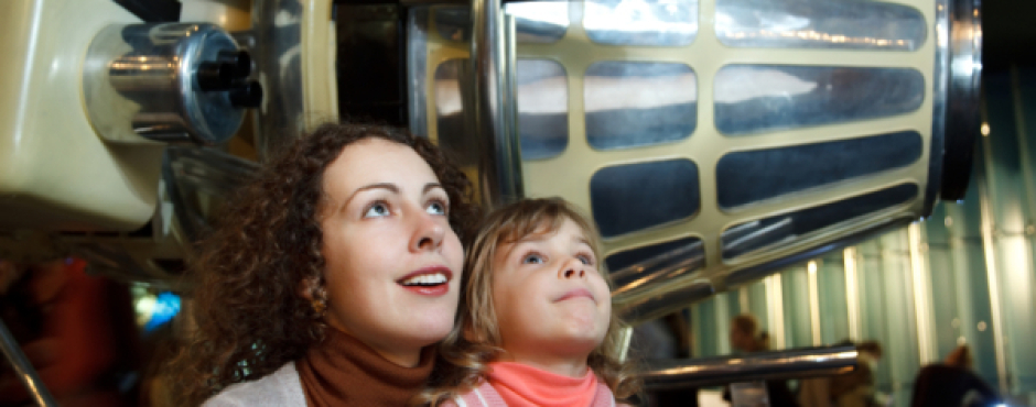museum with kids, visit art museum, best travel tips family trips
